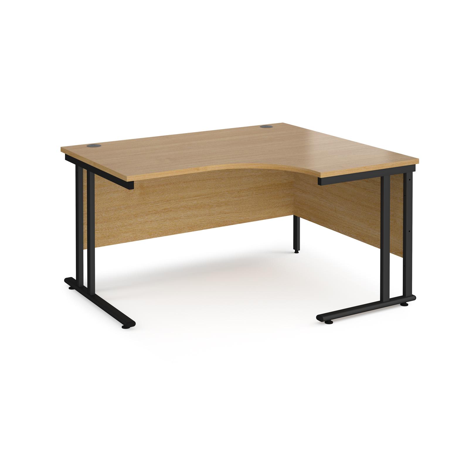 Right Handed Maestro 25 right hand ergonomic desk 1400mm wide - black cantilever leg frame, oak top
